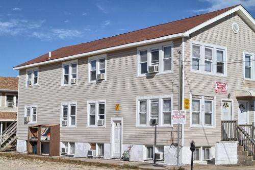 Shore Beach Houses-20-2 Dupont Avenue