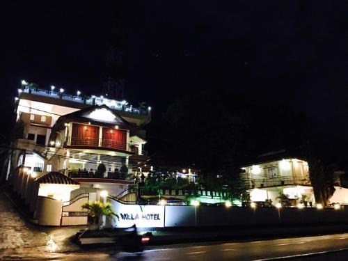 . Villa Hotel