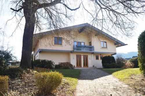 Ferienhaus Villa Viola, Pension in Moosburg