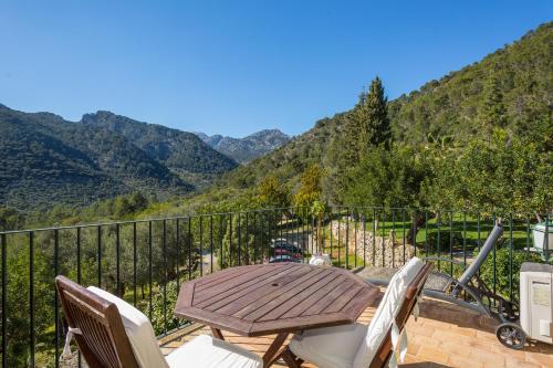 Suite mit Terrasse Finca Hotel Es Castell 1