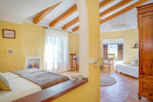 Superior Doppelzimmer mit Terrasse Finca Hotel Es Castell 8