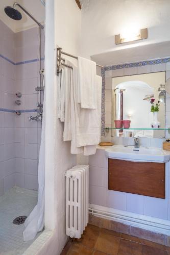 Superior Doppelzimmer mit Terrasse Finca Hotel Es Castell 15