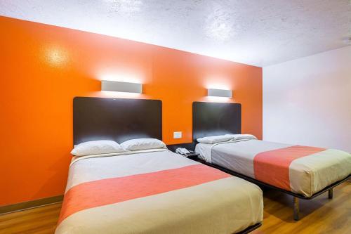 Motel 6-Madisonville, TX, Madison