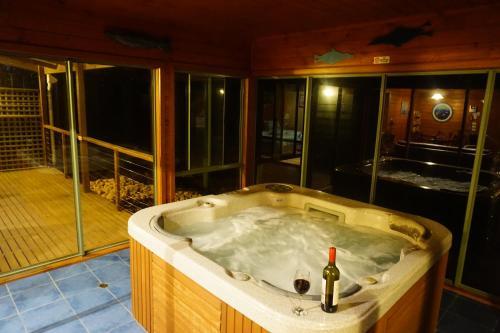 Southern Anchorage Retreat