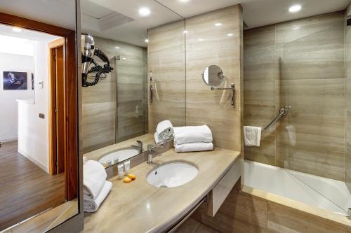 Apartaments-Hotel Hispanos 7 Suiza photo 14