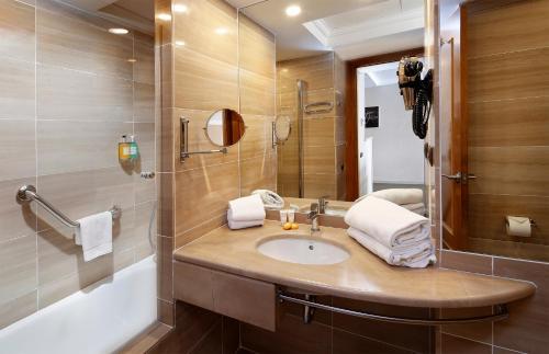 Apartaments-Hotel Hispanos 7 Suiza photo 22