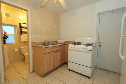 Shore Beach Houses - 38 Dupont Avenue - Seaside Heights, NJ 08751
