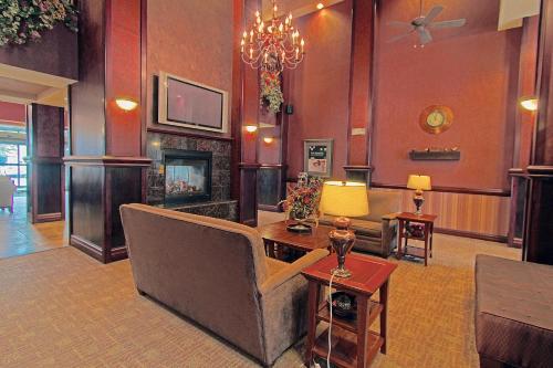 Homewood Suites By Hilton Bloomington - Bloomington, IN 47404