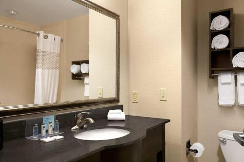 Hampton Inn And Suites Mansfield