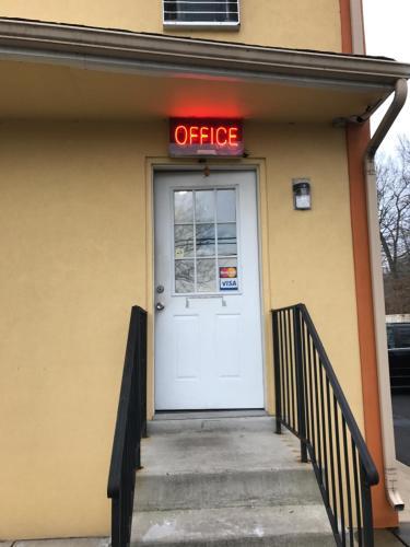 Budget Inn - Carneys Point, NJ 08069