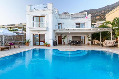 Kalkan Villa Sapphire tek gece fiyat