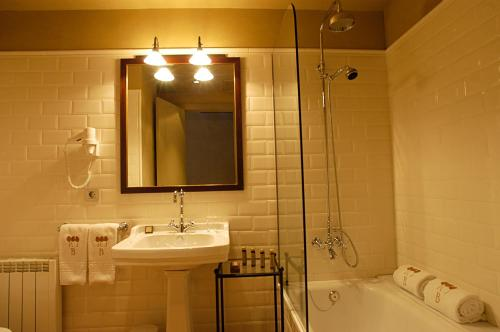 Superior Double or Twin Room Bremon 13