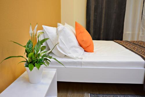 HotelГостевые комнаты Апельсин на Сретенском Бульваре