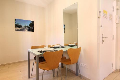 ClassBedroom Apartments I photo 48