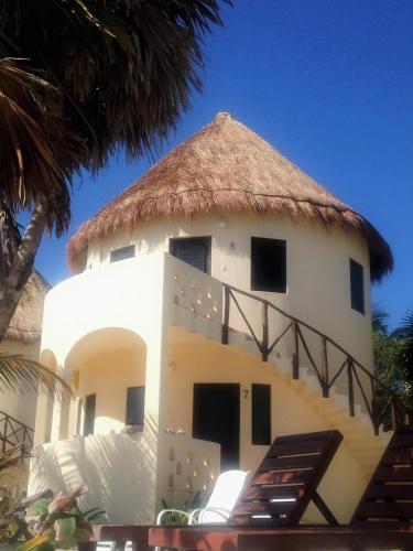 Balamku Inn, Mahahual