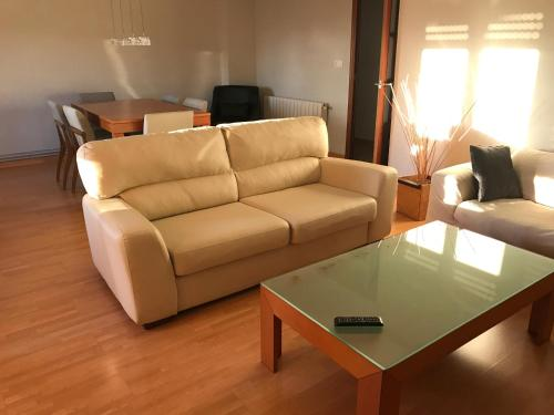 . Apartamentos El Llombo