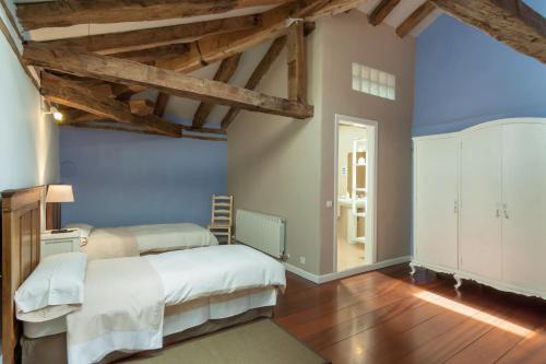 Seven-Bedroom House Casona Valle de Soba 25