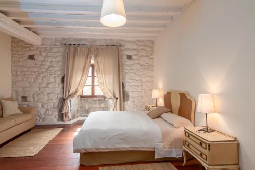 Seven-Bedroom House Casona Valle de Soba 2