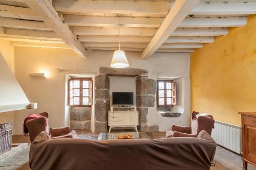 Seven-Bedroom House Casona Valle de Soba 15