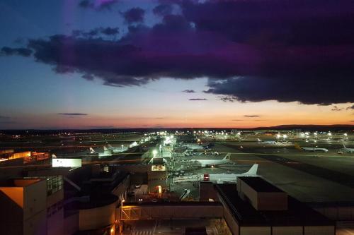 South Terminal, Gatwick, England, United Kingdom, RH6 0NN.