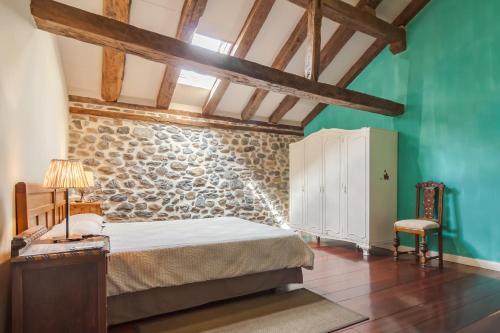 Seven-Bedroom House Casona Valle de Soba 12