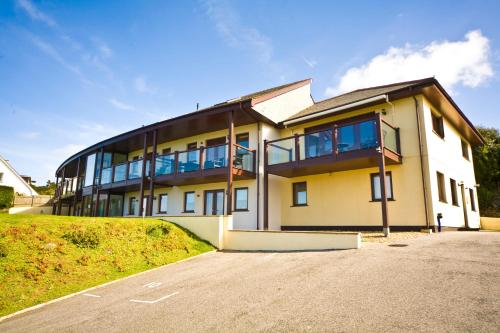 White Lodge Apartments, Mawgan Porth, Cornwall