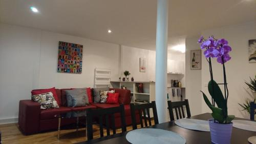 Charming Flat in Paris - Villette impression
