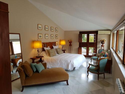 Suite Familiar (3 adultos) Palacio del Cobertizo de Santa Ines 20