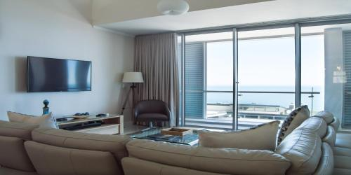 Three Bedroom Loft Apartment with Ocean View