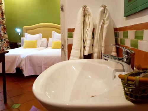 Suite Familiar Deluxe Palacio del Cobertizo de Santa Ines 2