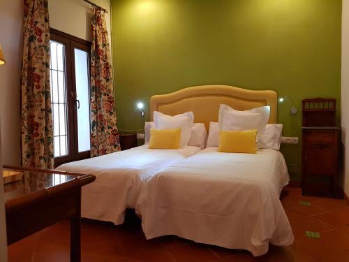 Suite Familiar Deluxe Palacio del Cobertizo de Santa Ines 6