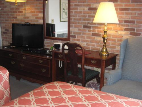 . Lockport Inn and Suites
