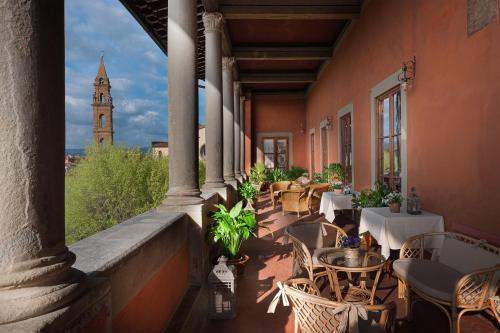 Piazza Santo Spirito 9, Florence, 50125, Italy.