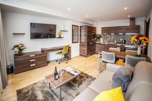 Picture of Hampton Suites Apartments