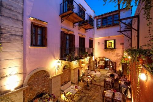 Epimenidou 4, 74100 Réthymno Town, Crete, Greece.