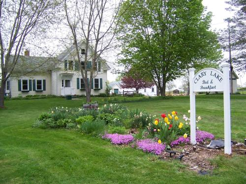 . Clary Lake Bed and Breakfast