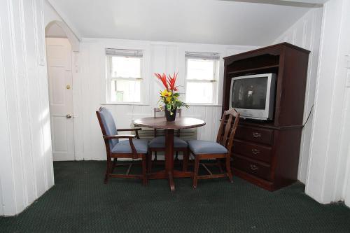 Shore Beach Houses - 46 B Kearney Avenue - Seaside Heights, NJ 08751