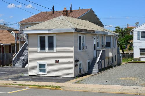 Shore Beach Houses - 122 A Franklin Avenue - Seaside Heights, NJ 08751