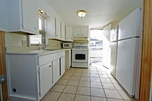 Shore Beach Houses - 119 F Franklin Avenue - Seaside Heights, NJ 08751