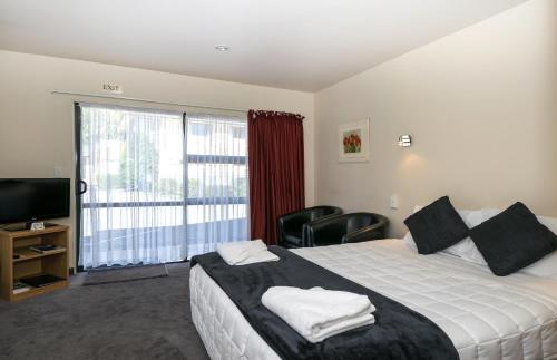 Ashleigh Court Motel - Photo 5 of 21