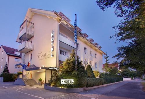 Hotel Kriemhild am Hirschgarten impression