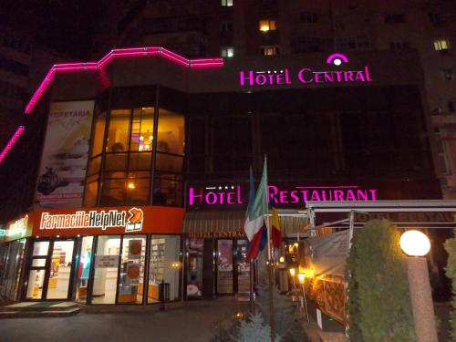 __{offers.Best_flights}__ Hotel Central