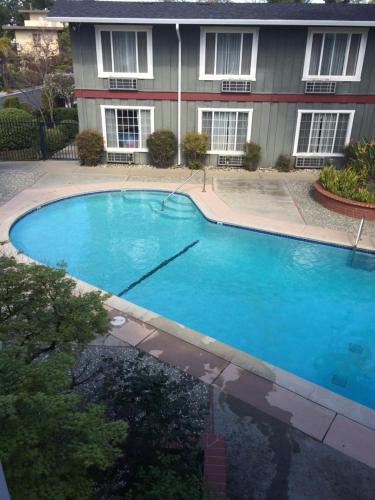 Oak Motel - Palo Alto, CA 94306