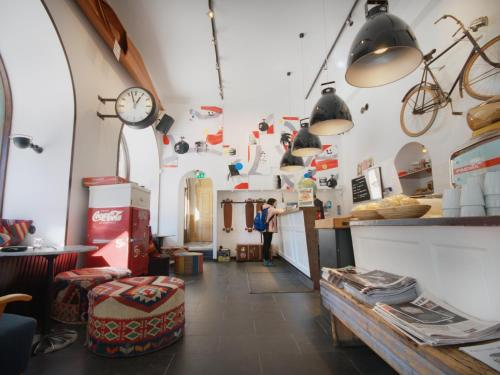 City Backpackers Hostel impression