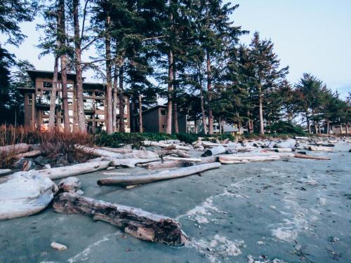 1421 Pacific Rim Highway, Tofino, British Columbia, V0R 2Z0, Canada.