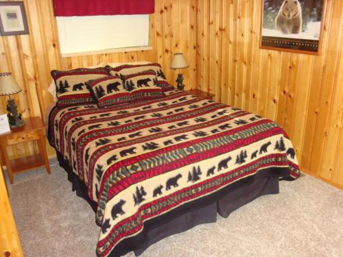 Yellowstone Wildlife Cabins - West Yellowstone, MT 59758