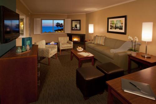 Best Western Plus Beach View Lodge - Carlsbad, CA 92008