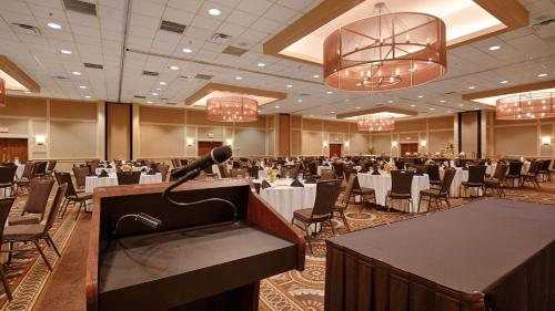 Best Western Premier The Central Hotel & Conference Center - Harrisburg, PA 17111