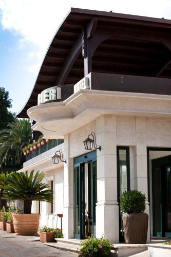 . Hotel Barbieri