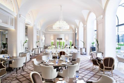 Four Seasons Hotel George V Paris photo 46